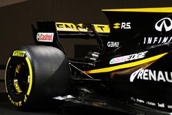 Renault Sport F1 Team RS17 rear wing and Pirelli wheel