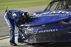 Elliott Sadler, JR Motorsports Chevrolet pits for damage