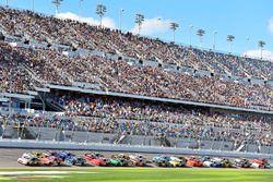 Brad Keselowski, Team Penske Ford and Ryan Reed, Roush Fenway Racing Ford