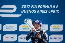 Podio: il vincitore della gara Sébastien Buemi, Renault e.Dams