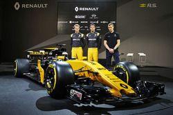 (L to R): Nico Hulkenberg, Renault Sport F1 Team with Jolyon Palmer, Renault Sport F1 Team; Sergey S