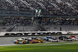 Restart, Kyle Busch, Joe Gibbs Racing Toyota leads