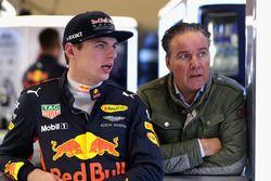 Max Verstappen, Red Bull Racing, mit Manager Raymond Vermeulen
