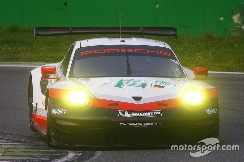 #91 Porsche Team Porsche 911 RSR: Nick Tandy, Patrick Pilet, Kevin Estre