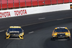 Martin Truex Jr., Furniture Row Racing Toyota, Matt Kenseth, Joe Gibbs Racing Toyota