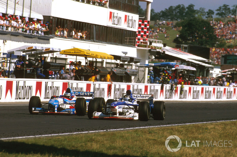 Damon Hill, Arrows A18 Yamaha, Gerhard Berger (Benetton B197 Renault