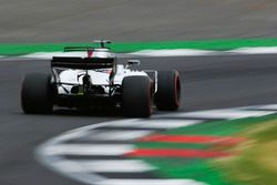 Sparks fly from Lance Stroll, Williams FW40