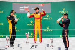 Podium: race winnaar Giuliano Alesi, Trident, tweede plaats Jack Aitken, ART Grand Prix, derde plaat