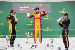 Podium: race winner Giuliano Alesi, Trident, second place Jack Aitken, ART Grand Prix, third place Niko Kari, Arden International