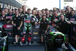 Race winner Jonathan Rea, Kawasaki Racing, second place Tom Sykes, Kawasaki celebrate with the team