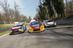 John Filippi, Sébastien Loeb Racing, Citroën C-Elysée WTCC ; Tom Coronel, Roal Motorsport, Chevrolet RML Cruze TC1; Ryo Michigami, Honda Racing Team JAS, Honda Civic WTCC