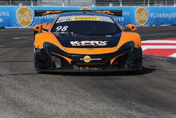 #98 K-Pax Racing, McLaren 650S: Mike Hedlund