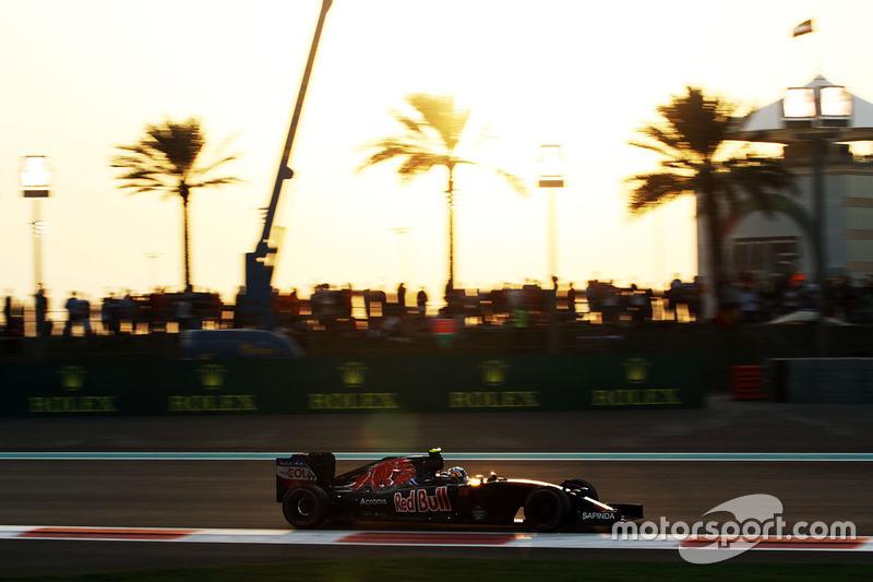 Ausfall: Carlos Sainz Jr., Scuderia Toro Rosso STR11