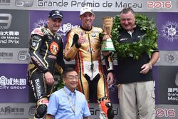 Podium: race winner Peter Hickman, BMW, second place Michael Rutter, BMW