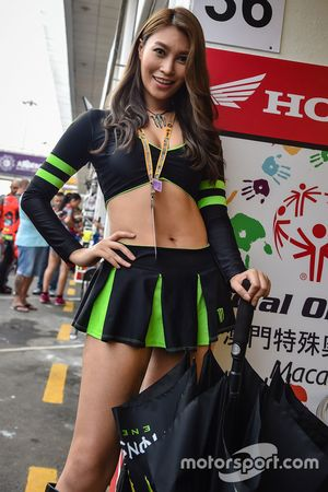 Grid girl Monster Energy