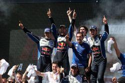 Volkswagen Motorsport fête la victoire