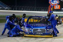 Chase Briscoe, Brad Keselowski Racing Ford pit stop