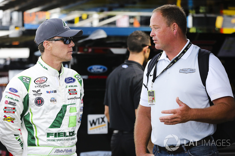 Kevin Harvick, Stewart-Haas Racing Ford and Tony Raines