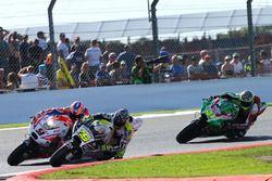 Bautista passes Danilo Petrucci, Pramac Racing