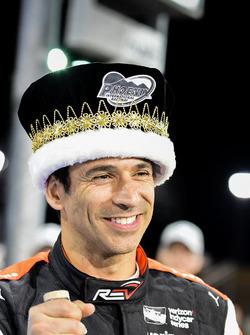 Обладатель поула Элио Кастроневес, Team Penske Chevrolet