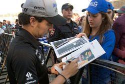 Sergio Perez, Sahara Force India lors d'une session d'autographes