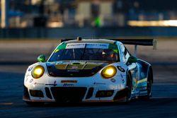 №28 Alegra Motorsports Porsche 911 GT3 R: Даниэль Морад, Майкл де Кесада, Микаэль Кристенсен, Спенсер Пампелли
