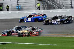 Ty Dillon, Richard Childress Racing Chevrolet, Brennan Poole, Chip Ganassi Racing Chevrolet, Matt Ti