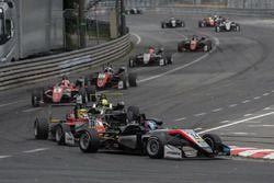 Джейк Хьюз, Hitech Grand Prix, Dallara F317 – Mercedes-Benz