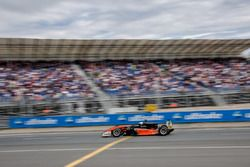 Spectators, Harrison Newey, Van Amersfoort Racing Dallara F317 - Mercedes-Benz
