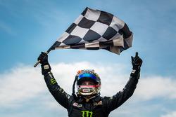 Yarış galibi Cameron Waters, Prodrive Racing Australia Ford