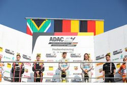 Podium: 1. Lirim Zendeli, Mücke Motorsport, 2. Jonathan Aberdein, Motopark, 3. Sophia Flörsch, Mücke