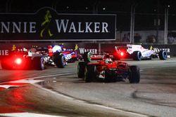 Sebastian Vettel, Ferrari SF70H verliest zijn neus