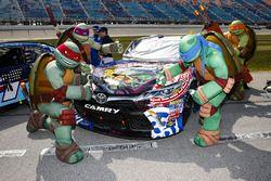 Matt Tifft, Joe Gibbs Racing Toyota with guests