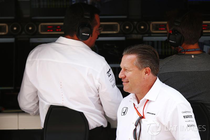Ерік Бульє, гоночний директор McLaren, Зак Браун, виконавчий директор McLaren Technology Group