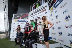 Podium: second place Egor Orudzhev, AVF, race winner Pietro Fittipaldi, Lotus, third place Roy Nissany, RP Motorsport, top rookie Konstantin Tereshchenko, Teo Martin Motorsport