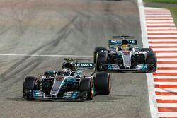 Valtteri Bottas, Mercedes F1 W08, Lewis Hamilton, Mercedes F1 W08, Felipe Massa, Williams FW40