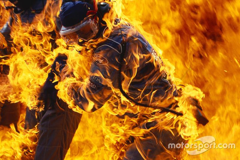 Incêndio durante pit stop de Jos Verstappen, Benetton B194 Ford