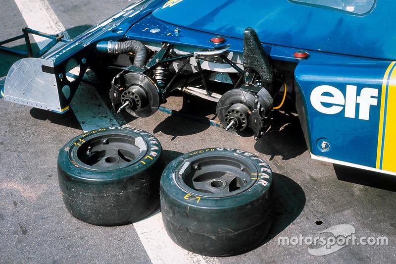 Las dos ruedas delanteras del Tyrrell P34 Ford