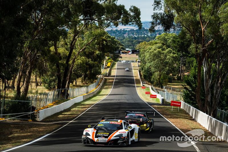#59 Tekno Autosports / McLaren GT, McLaren 650s GT3: Бен Барникот, Уилл Дэвидсон, Джонни Кейн