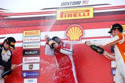 Podium: Ganador, Carlos Kauffmann, Ferrari de Fort Lauderdale; segundo, Wei Lu, Ferrari de Vancouver