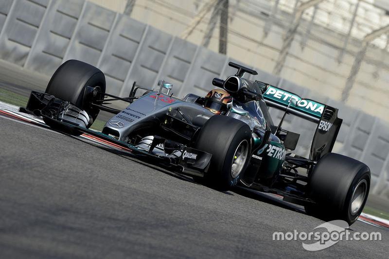 Pascal Wehrlein, Mercedes AMG F1 con las nuevas Pirelli 2017