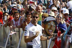 Jenson Button, McLaren with Fans