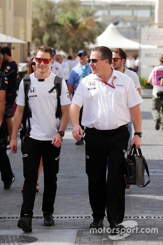 Stoffel Vandoorne, McLaren piloto de prueba y reserva con Zak Brown, Director Ejecutivo de McLaren