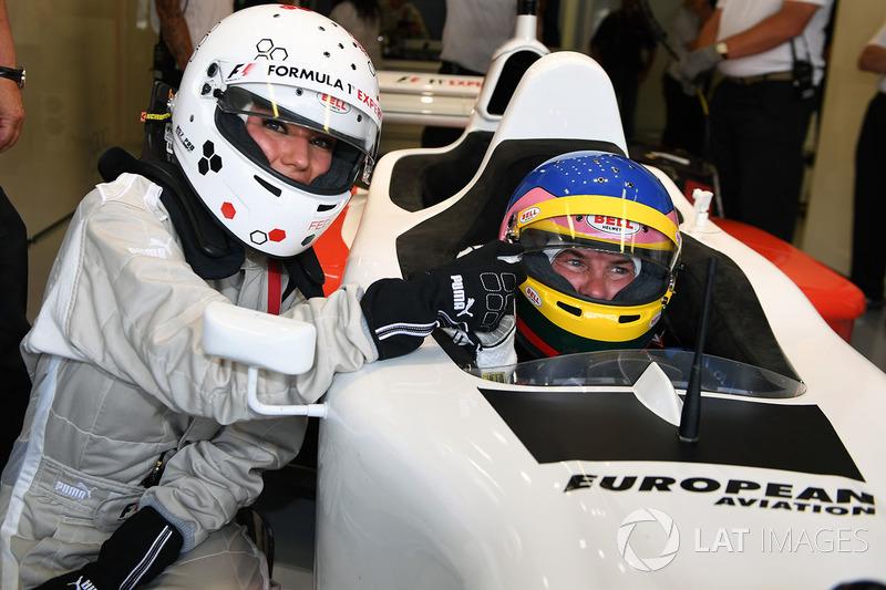 Jacques Villeneuve, F1 Experiences coche de 2 plazas y Federica Masolin, Sky Italia