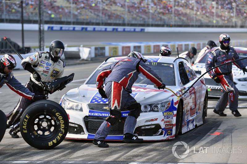 Austin Dillon, Richard Childress Racing Chevrolet at Michigan - NASCAR Cup Fotos