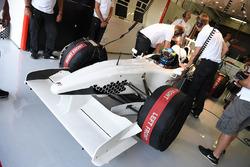 Zsolt Baumgartner, piloto en el auto de dos asientos de la experiencia de la F1