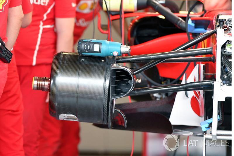 Кріплення переднього колеса Ferrari SF70H