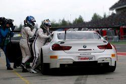 Boxenstopp, #42 BMW Team Schnitzer, BMW M6 GT3: Ricky Collard, Philipp Eng