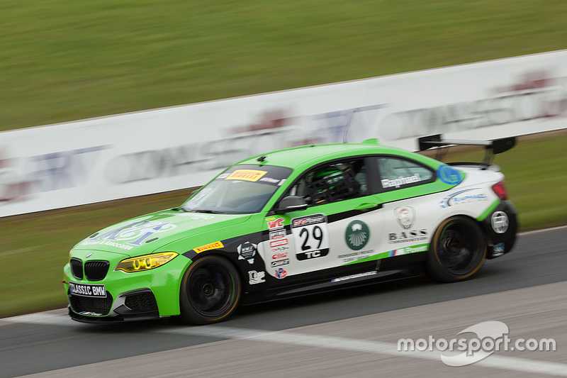 #29 BMW M235iR: Justin Raphael