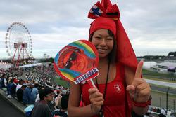 Un fan avec une bannière Kimi Raikkonen, Ferrari